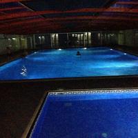 Photo taken at Çamlıkevler Kapalı Yüzme Havuzu by Dilan G. on 9/13/2017