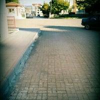 Photo taken at Evliya Çelebi Teknik ve Anadolu Meslek Lisesi by Uğur A. on 4/30/2016
