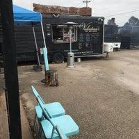 รูปภาพถ่ายที่ Valentina's Tex Mex BBQ โดย Erin G. เมื่อ 10/18/2018
