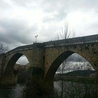 Foto tirada no(a) Ponte Romana de Ourense por Braiscelli O. em 3/23/2013