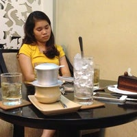 Photo taken at Trung Nguyen Coffee by Hoàn K. on 8/15/2013