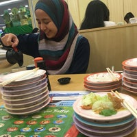 Photo taken at Sushi King by Nisaa on 6/6/2017