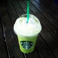 Photo taken at Starbucks by Lillaboe B. on 2/12/2013