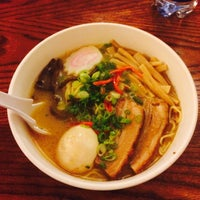 Das Foto wurde bei Nom Nom Ramen von Guo J. am 10/27/2014 aufgenommen