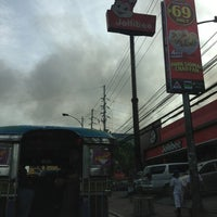 Photo taken at East Avenue by Kaye B. on 7/18/2013