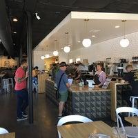Foto tirada no(a) Vesta Coffee Roasters por APA em 5/26/2018
