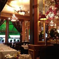 Foto tirada no(a) Grand Café des Négociants por APA em 9/30/2012