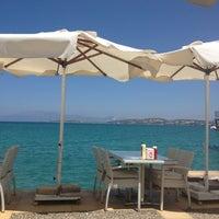 7/29/2013 tarihinde zuhal t.ziyaretçi tarafından Kumrucu Şevki Plus & Çilek Cafe'de çekilen fotoğraf