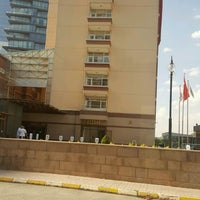 Photo taken at Ufuk Üniversitesi Ortopedi Servisi by Hakan K. on 7/27/2016