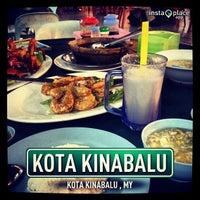Photo taken at Restoran Masakan Sedap by Sharizat S. on 3/20/2013