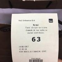 2/24/2017 tarihinde Julianna K.ziyaretçi tarafından Itaú'de çekilen fotoğraf