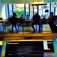 Photo taken at 上樓看看 Arthere Cafe by 高手놀리밑™ on 7/28/2016