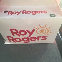 Photo taken at Roy Rogers by Aileen H. on 11/21/2016
