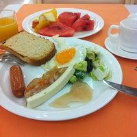 Снимок сделан в Ресторан Отеля Измайлово-альфа пользователем Alexandr C. 7/8/2013