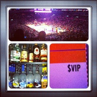 Foto tomada en STAPLES Center VIP SUITES  por Gregory G. el 4/10/2013
