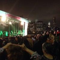 Foto tomada en Celebrate Brooklyn - Pier 1 por Joshua B. el 5/9/2014