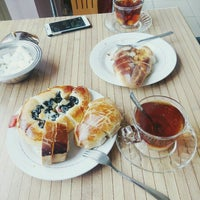 Photo taken at Roz Pasta & Cafe by Yusuf K. on 12/9/2015