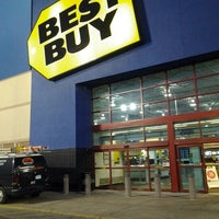 Photo taken at Best Buy by Fedor B. on 1/15/2013