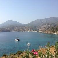 Photo taken at Yeşim Beach & Restaurant by halil g. on 9/30/2012