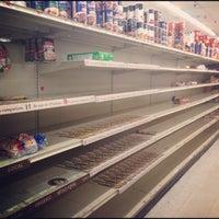 Photo taken at Met Foodmarkets by Peter K. on 10/28/2012
