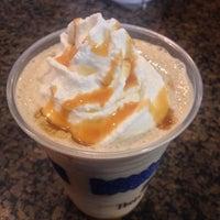 Photo taken at Peet's Coffee & Tea by Gary B. on 9/4/2015