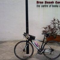 Foto scattata a Bras Basah Complex da Desiree K. il 12/23/2012