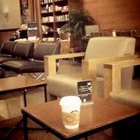 Photo prise au Starbucks par Luthfi M. le2/7/2013