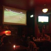 Das Foto wurde bei Shamrock Irish Pub von Jaime F. am 2/8/2013 aufgenommen