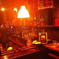Das Foto wurde bei Polaroid Bar von Saba am 9/7/2013 aufgenommen