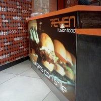 Foto scattata a 7Even Fusion Food da Giuseppe V. il 9/25/2012