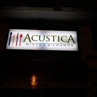 Foto tomada en Acustica Bistro & Lounge por Jhom C. el 3/11/2015