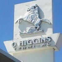 Foto tomada en Terminal de Buses O'Higgins por Juan S. el 10/29/2012