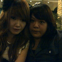 Photo taken at Pisa Cafe & Resto by Lydy G. on 12/16/2012