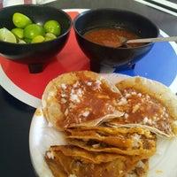 Foto tomada en Tacos Juan por Antonio G. el 1/24/2013