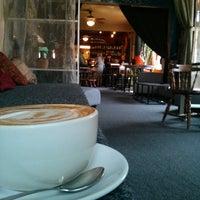 Foto tomada en Gypsy Coffee House por Jackson F. el 8/15/2013