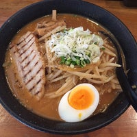 Photo taken at ラーメンひろや 葛西店 by 封神龍 (. on 7/2/2018