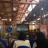 Photo taken at Coworking - Factoría del Conocimiento by Albertina N. on 3/19/2014