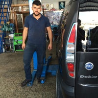 Photo taken at gökler oto bakım servisi by Ferhat T. on 8/31/2016