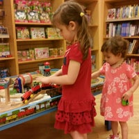 Photo taken at Barnes & Noble by Krissie T. on 5/25/2015