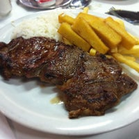 Photo taken at Monte Grill by Rafael W. on 5/31/2013