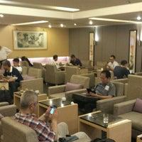 Photo taken at 華航貴賓室 China Airlines VIP Lounge by Tatsuya F. on 4/13/2016