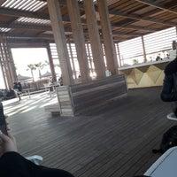 Foto tomada en Beach Lounge por Ilknur C. el 1/30/2018