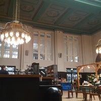 Das Foto wurde bei Starbucks von Florian D. am 5/5/2017 aufgenommen