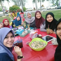 Photo taken at yong tau fu steamboat hery by اديبه ا. on 3/18/2015
