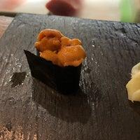 Foto tirada no(a) Sushi By Bou por Jennie P. em 4/29/2018