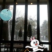 Photo taken at Cafe Shakey's by Ryoko M. on 1/14/2013