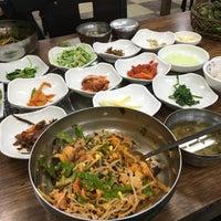 Photo taken at 특미관 / Teuk Mi Gwan Green Tea Restaurant by Sun L. on 1/1/2016