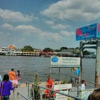 Photo taken at ท่าเรือวังหลัง (ศิริราช) Wang Lang (Siriraj) Pier N10 by Khwanpooh T. on 6/1/2013