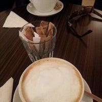 12/10/2012 tarihinde Aryan J.ziyaretçi tarafından Denizen Coffee'de çekilen fotoğraf