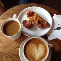 Foto tomada en Storyville Coffee Company por Paul C. el 6/17/2014